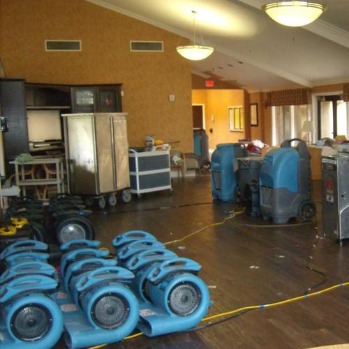 Lindenhurst-Water-Damage-restoration-Plugged-or-broken-toilet-and-toilet-tanks